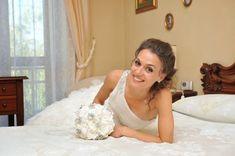 DI SALVO CREAZIONI: Bouquet gioiello per una bellissima neo sposina Lace Wedding, Wedding Dresses, Bouquet, Fashion, Bride Dresses, Moda, Bridal Gowns, Alon Livne Wedding Dresses, Fashion Styles