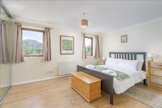 Holiday House with 3 Bedroom in London, United Kingdom | HolidayPorch