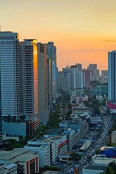 View over Makati City in Metro Manila at Sunset, Philippines. Visit Philippines, Philippines Culture, Manila Philippines, Philippines Travel, City Lights At Night, Night City, City Lights Wallpaper, Rizal Park, Philippine Holidays