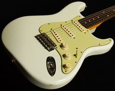 '60 Stratocaster Relic Olympic White with Mint Green pickguard