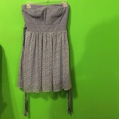 Strapless floral dress Super cute strapless floral dress. Worn maybe once or twice. Dresses Strapless