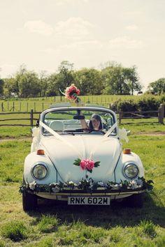 Pretty wedding ideas on the house meadow Whimsical weddings in Wonderland - Volkswagen, Prom Car, 1960s Wedding, Bridal Car, Dream Wedding, Wedding Day, Wedding Blog, Wedding Car Decorations, Whimsical Wedding