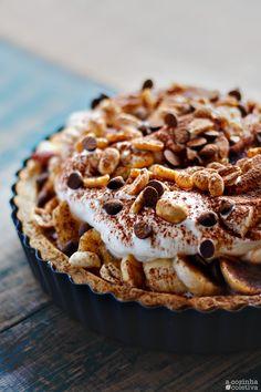 A Cozinha Coletiva: Torta de Brigadeiro, Banana e Amendoim {ou uma versão pessoal da Banoffee}