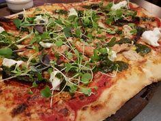 Rakkaudesta ystäviin, ruokaan ja juomaan - Roomalainen illallinen uudessa Rossossa - Starbox Vegetable Pizza, Vegetables, Food, Vegetable Recipes, Eten, Veggie Food, Meals, Vegetarian Pizza, Veggies