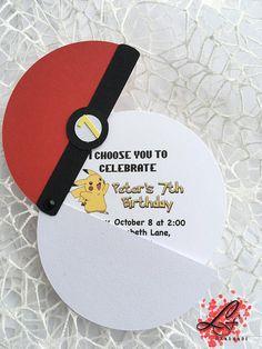 Pokemon Geburtstagseinladungen von als Pokeball - Kindergeburtstag: Pokémon-Party - 6th Birthday Parties, Diy Birthday, Happy Birthday Cards, Pokemon Party Invitations, Birthday Invitations, Pokemon Birthday Invites, Pokemon Party Supplies, Handmade Invitations, Pokemon Themed Party