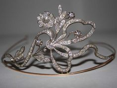 An Antique Diamond and Rose Gold Floral Motif Tiara Gold Tiara, Diamond Tiara, Royal Tiaras, Tiaras And Crowns, Bling Bling, Royal Jewelry, Circlet, Hair Ornaments, Royals