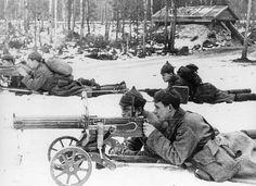 Soviet-finnish war, 1939-1940, red army machine-gunners (maxim machine-gun). Pin by Paolo Marzioli