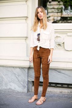 Everyone's Wearing: Suede Pants – Closetful of Clothes Mode Outfits, Fall Outfits, Summer Outfits, Casual Outfits, Fashion Outfits, Fashion Styles, Suede Leggings, Suede Pants, Suede Jacket