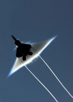 F-22 Raptor breaking sound barrier