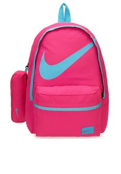 Smart and stylish, the Nike Halfday backpack for Young Athletes makes the perfect choice for your kids school and activity essentials. Pinned via www.namshi.com