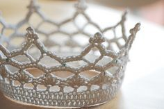 Crochet crown free pattern. Thank You !