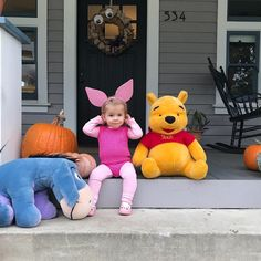 Inspiration & accessories for your DIY Piglet halloween costume idea Baby Piglet Costume, Piglet Halloween Costume, Winnie The Pooh Halloween, Winnie The Pooh Costume, Cute Group Halloween Costumes, Halloween Outfits, Monkey First Birthday, Diy Baby Costumes, Toddler Girl Halloween