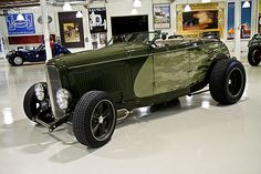 "1932 Ford ""Metal Of Honor"" Roadster"
