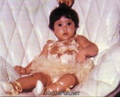 15 Shakira Childhood and Teenager Photos Discovered – NSF – Music Magazine Celebrities Then And Now, Young Celebrities, Celebs, Shakira Baby, Shakira Photos, Childhood Photos, Stars Then And Now, Music Magazines, Artists