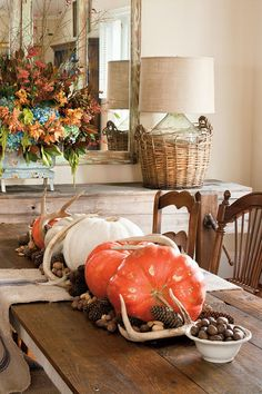 Easy Thanksgiving Table:   A Woodsy Arrangement