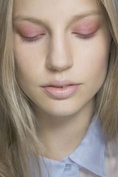 Spring/Summer 2014 Beauty Trends – Latest Hair & Makeup (Vogue.com UK) Burberry Prorsum