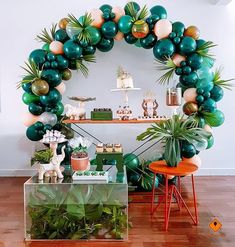 ↗️ 79 Baby Shower Decorations That Look Fun And Give An Impression To Your Guests 62 Jungle Theme Birthday, Jungle Theme Parties, Safari Theme Party, Jungle Party, Dinosaur Birthday Party, Baby Birthday, King Birthday, Girl Baby Shower Decorations, Party Decoration