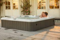 Sundance Spas, Hot Tub Backyard, Cool Pools, Jacuzzi, Milan, Swimming, Garden, Outdoor Decor, Inspiration
