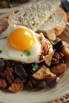 Chorizo Breakfast Hash - www.countrycleaver.com