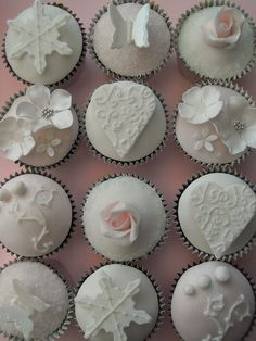 Winter wonderland cupcakes by Cotton and Crumbs, via Flickr