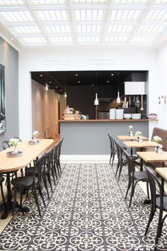 Hot spot Leiden: Jeanpagne Posted by 30smagazine