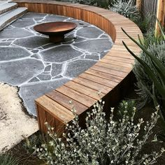 garden seating 25 Unique And Beautiful Rounded Wooden Bench Ideas To Make Your Garden Become Amazing GooDSGN Garden Fire Pit, Diy Fire Pit, Fire Pit Backyard, Garden Pond, Fire Pit Seating, Fire Pit Area, Fire Pit Furniture, Garden Furniture, Bluestone Paving