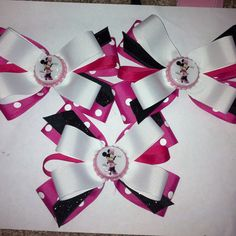Custom party favors! Visit www.emmashairbowtique.com for more bows!