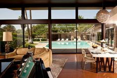 Frank Sinatra's former Palm Springs home - check out the piano-shaped pool!