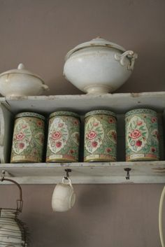 vintagerosebrocante    source:  servies en brocante blogspot