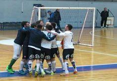 Esta noche juega el FutsalSL : a partir de las 20:00 hs,  enfrenta en el Salón San Martín a Villa La Ñata. Recordemos que viene de caer 6 - 3 vs kimberley.