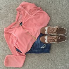 Rue21 Coral Chiffon top with lace Super cute top great to dress up or just semi casual. Rue 21 Tops Blouses