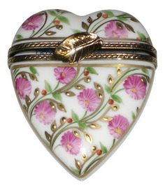 Beautiful heart shaped hinged box
