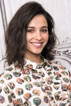 Pink Power Ranger actress Naomi Scott is now staring in the next Disney's Thrilling movie Aladdin as Princess Jasmine. No doubt that she is the perfect choice for the role of Jasmine, she is hot and her Naomi Scott, Pink Power Ranger Actress, Millie Bobby Brown, Lemonade Mouth, Princess Jasmine, Aladdin Princess, Thing 1, Bikini Pictures, Bikini Photos