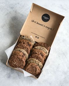 cookies and cream cookies . cookies and cream cake . cookies from cake mix recipes . Brownie Packaging, Baking Packaging, Bread Packaging, Dessert Packaging, Food Packaging Design, Packaging For Cookies, Cookie Recipes, Dessert Recipes, Baking Business
