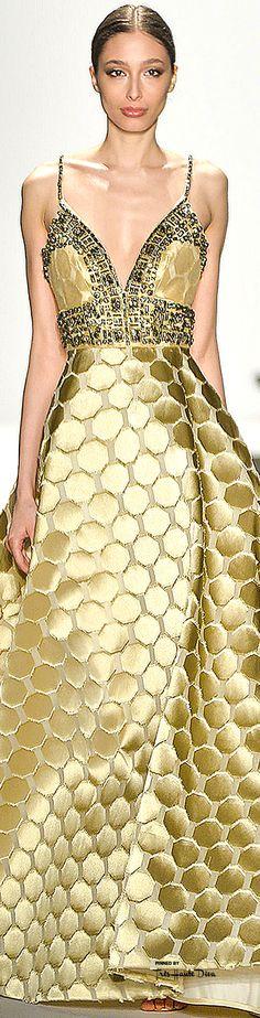 Glamour gowns / karen cox.  #NYFW Dennis Basso Fall 2015 RTW ♔THD♔
