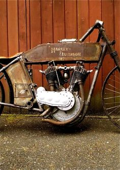 How may miles did this Harley Davidson run before it was abandoned? Beautiful decay.
