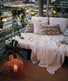 Percik en roesttonen in an elegant Noors huis - Orya Kitchen Small Balcony Design, Small Balcony Decor, Balcony Ideas, Outdoor Balcony, Patio Ideas, Outdoor Ideas, Norwegian House, Interior Balcony, Vintage Garden Decor