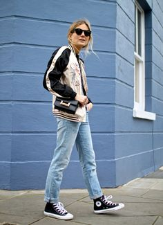 Lucy Williams de Fashion Me Now Fashion Me Now, Fashion Story, Fashion News, Kendall Jenner, Look Street Style, Floral Bomber Jacket, Jeans And Sneakers, Winter Fashion, My Style