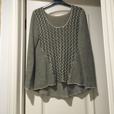💥💥Cute and Comfy Knitted Sweater💥💥 Knitted black and white Sweater! Long sleeve! Round neck! Sweaters