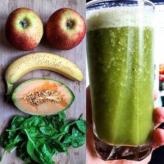 Sok do obiadu: jabłka banan melon jimbee szpinak. Wyciskamy sok z jabłek i szpinaku. Następnie blendujemy z bananem i melonem. Koniecznie schłodzić  przed podaniem #jabłka #banana #melonjimbee #jimbee #szpinak #apple #spinach #melon #dinnerjuice #diner #instafood #zsokowani #juicing #sokizwyciskarki #pijesoki #vegetarian #vegan #juicediet #diet #yummy #tasty #healthy #doobiadu #fresh