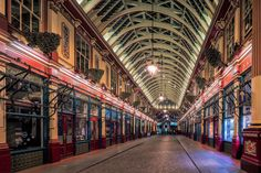 "https://flic.kr/p/ifo541 | Historical Market Lane | Leadenhall Market is one of the oldest markets in London, dating back to the 14th century, and is located in the historic centre of the City of London.  Jon & Tina Reid   |   <a href=""http://www.nomadicvision.com"" rel=""nofollow""> Portfolio  </a>  