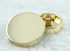 Botones de metal - Botón del cuello de las mancuernas de moda Pretty - hecho a mano por One-Stop en DaWanda
