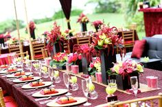 Tropical Red Wedding {Yvonne Design: Photo: Absolutely Loved} *** Great Chinese Year of the Dragon inspiration