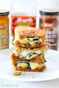 kale and sun dried tomato grilled cheese sandwich