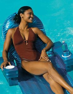 Buoyant and comfortable, the Original Pool Chaise Float can adjust to three relaxing positions, and is the perfect place to sit and enjoy your pool