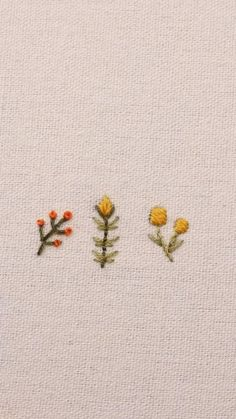 Hand Embroidery Videos, Hand Embroidery Patterns Flowers, Embroidery Stitches Tutorial, Simple Embroidery, Embroidery Techniques, Embroidered Flowers, Jean Embroidery, Embroidery Motifs, Art Patterns