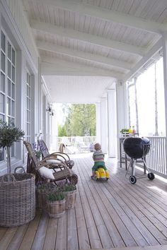 Like this porch alot! Weekend House, Cottage Exterior, Home, Cottage Porch, House With Porch, Wooden Terrace, Cottage Inspiration, My Scandinavian Home, Porch Design