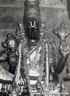 Trivikraman at Thirukovilur Rama Lord, Lord Ganesha Paintings, Lord Balaji, Digital Art Fantasy, Lord Vishnu Wallpapers, Shiva Statue, Lord Murugan, Hindu Deities, God Pictures