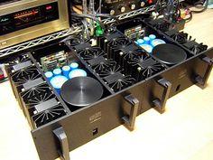 Mark Levinson Audio Systems vintage equipment list with complete description, documentation, schematics and pictures.