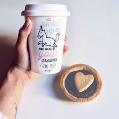 Wake up and make your dreams come true ♥️  thanks to @mrwonderful_ for my special take away cup ☕️ and to my love   for choccolate little pie as good morning #feelingloved